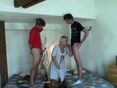 very-old-blonde-granny-double-penetration
