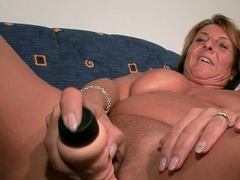 Plumper mom teaches boyish
