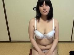 gorgeous-chinese-girl-vs-little-chinese-pro-wrestler