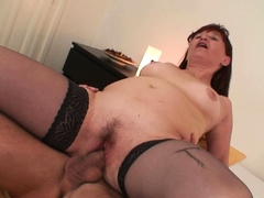 he-picks-up-old-mature-in-stockings-for-play