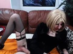 sexy-crossdresser-cums