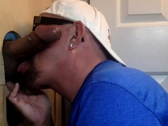 Dickblowing gloryhole daddy gets mouth jizzed