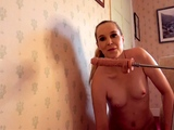 Amateur webcam toying wet pussy