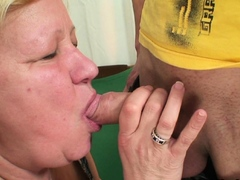 fucked-an-old-woman-in-her-pussy