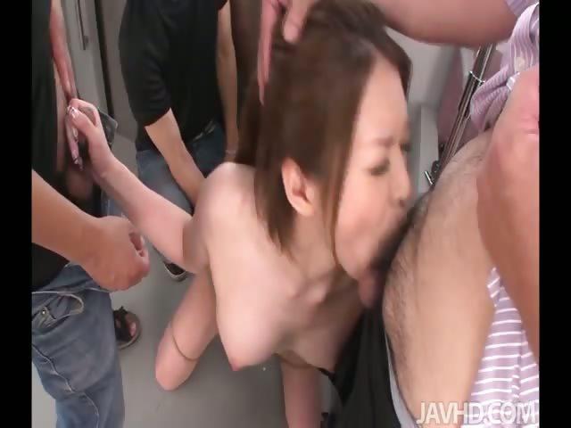 zhenshin-risunkah-porno-v-metro-aziya-video-seks