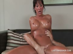 sexy-pornstar-banging-her-hot-masseur-on-the-floor