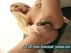 kylie-natural-breasts-blonde-masturbating-banana